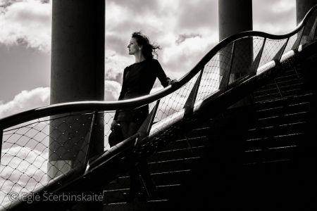 """Eglė Ščerbinskaitė fotografija iš serijos """"Modeliai"""". Spauda. Matmenys 90 X 90 cm. Kaina 300 €"""