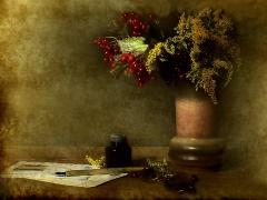 """Fotomenininko Romualdo Kairio nuotrauka iš parodos """"Natiurmortai""""."""