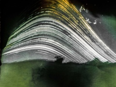 """Žilvinas Kropas. Fotografija iš serijos """"Solargraphy"""" Spauda. Fotografijos formatas 60x60., Ekspozicijos laikas 4mėnesiai. 2016m.  Kaina 400€"""